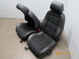 Audi TT - передние кожаные откидные сиденья