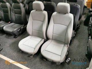 BMW3 E90 - передние сиденья