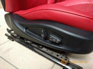 BMW Z4 - передние кожаные сиденья