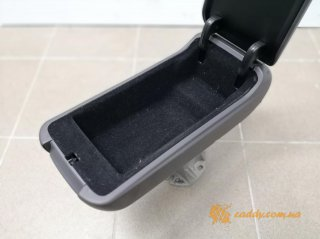 Mercedes - подлокотник (A1686800019)