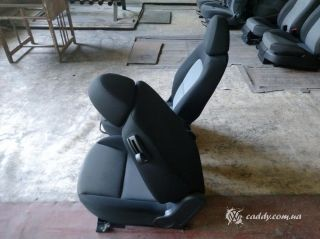 Mitsubishi Colt - передние откидные сиденья