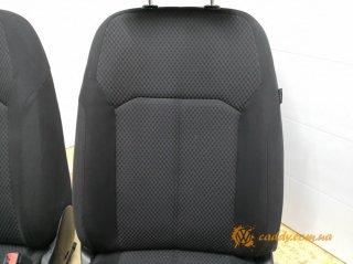 VW Passat B7 - передние сиденья