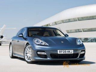 Porsche Panamera - офисное автокресло