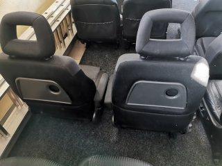 Volkswagen Sharan - передние сиденья